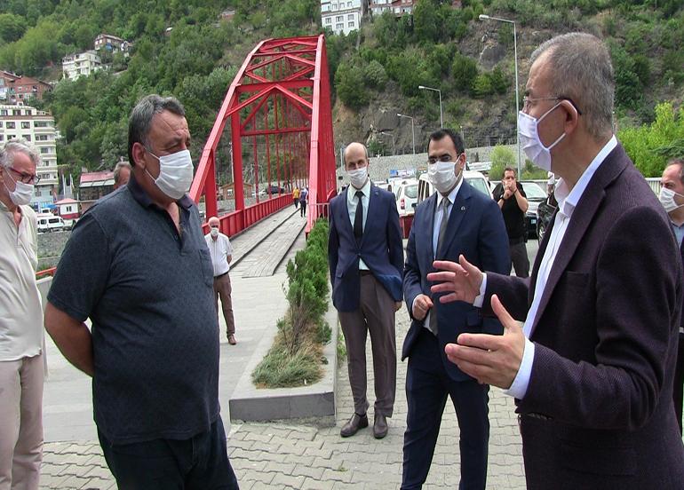 Artvin Valisi Doruk  sokakta maske denetimine çıktı