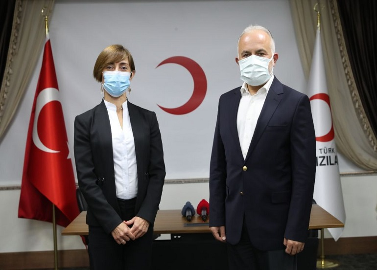 Johnson & Johnson Türkiye'den 18 bin sağlık çalışanı için Türk Kızılay'a 200 bin dolarlık bağış