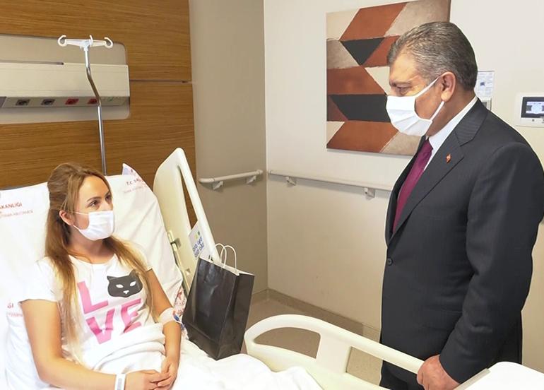 Bakan Koca, Adana'da hastaları ziyaret etti