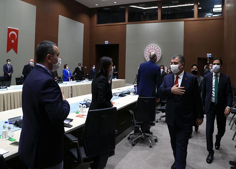 Bakan Koca, Yerli Aşı Ortak Çalışma Grubu Toplantısı'na başkanlık etti
