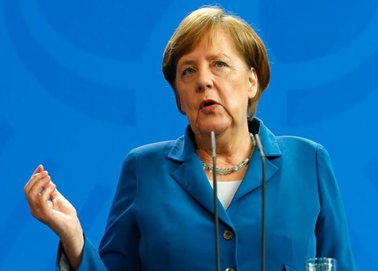 Almanya Başbakanı Merkel'den eyalet başbakanlarıyla Covid-19 zirvesi