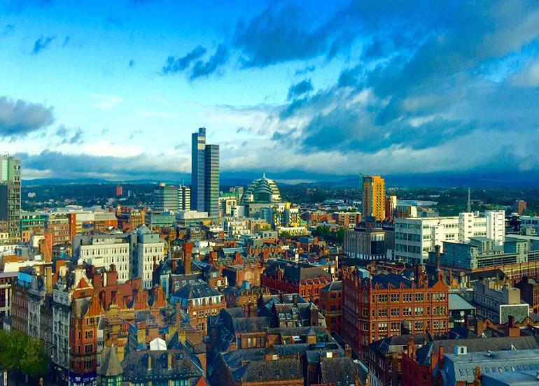 Manchester'da en yüksek kısıtlama seviyesine geçilecek