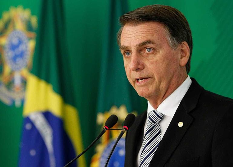 Bolsonaro, Covid-19 hastası Sağlık Bakanı Pazuello'yu maskesiz ziyaret etti