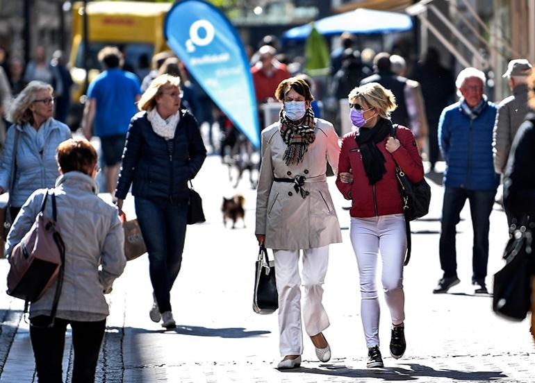 Almanya'da günlük vaka sayısı 11 bin civarında seyrediyor