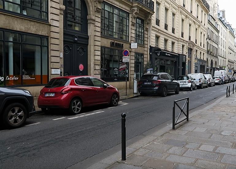 Fransa'da ikinci kez sokağa çıkma yasağı uygulanıyor