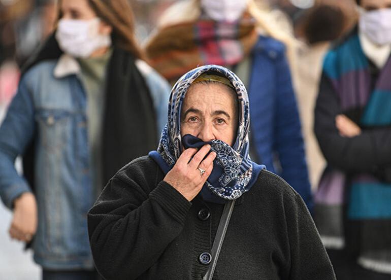 İstanbul'da da 65 yaş ve üstüne sokağa çıkma kısıtlaması getirildi