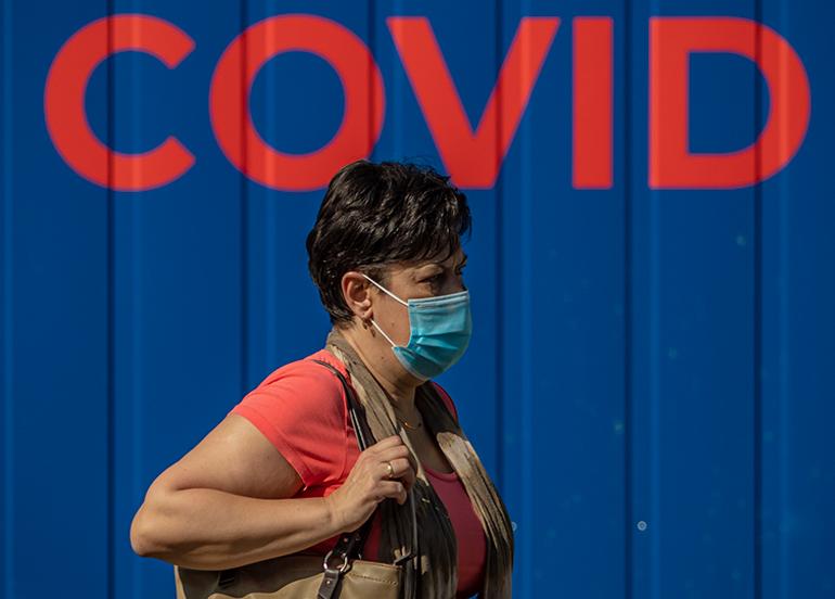 Avrupa'da korona virüs kaynaklı can kayıpları artıyor