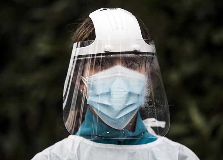 İtalya'da son 24 saatte korona virüsten 827 ölüm kaydedildi
