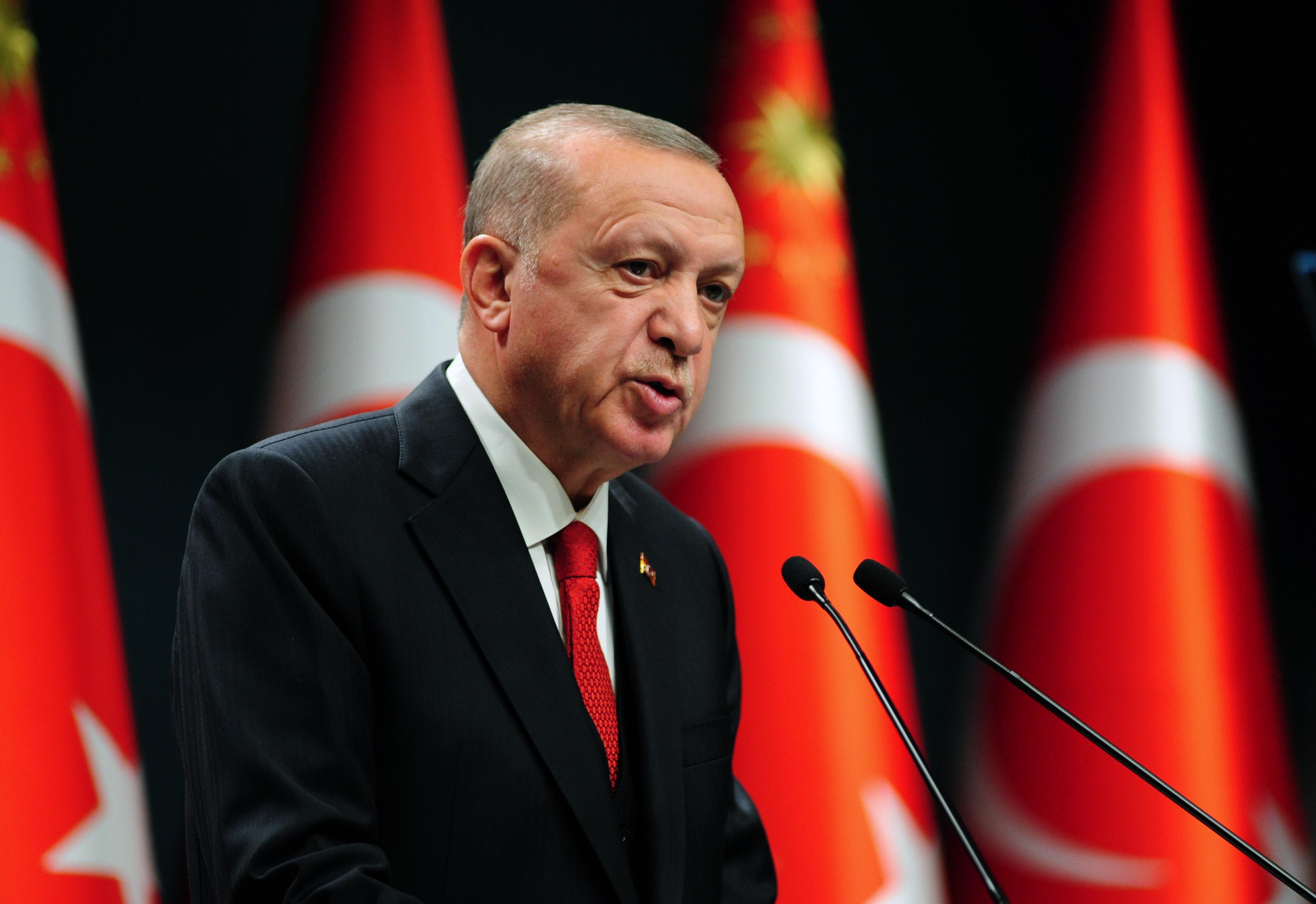 Cumhurbaşkanı Erdoğan yeni korona virüsü yasaklarını açıkladı