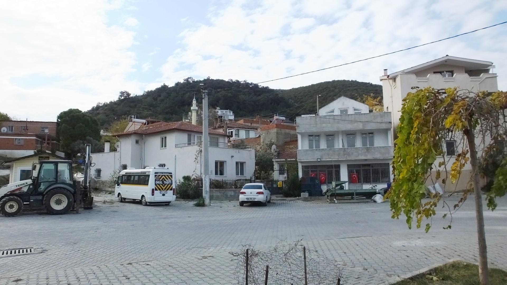 Balıkesir'de 3 mahallede 13 ev karantinaya alındı
