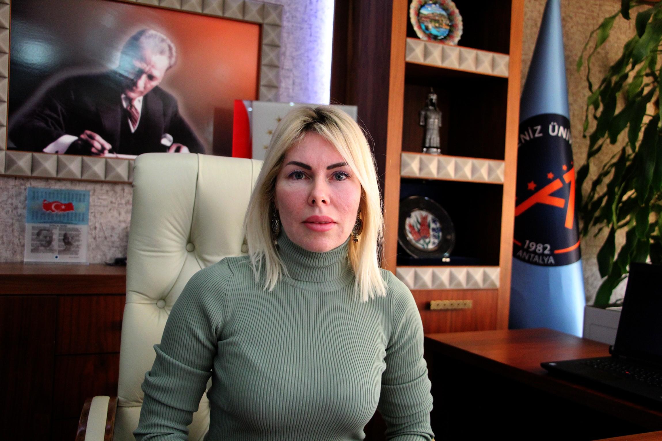 AÜ Rektörü Prof.Dr. Özlenen Özkan: