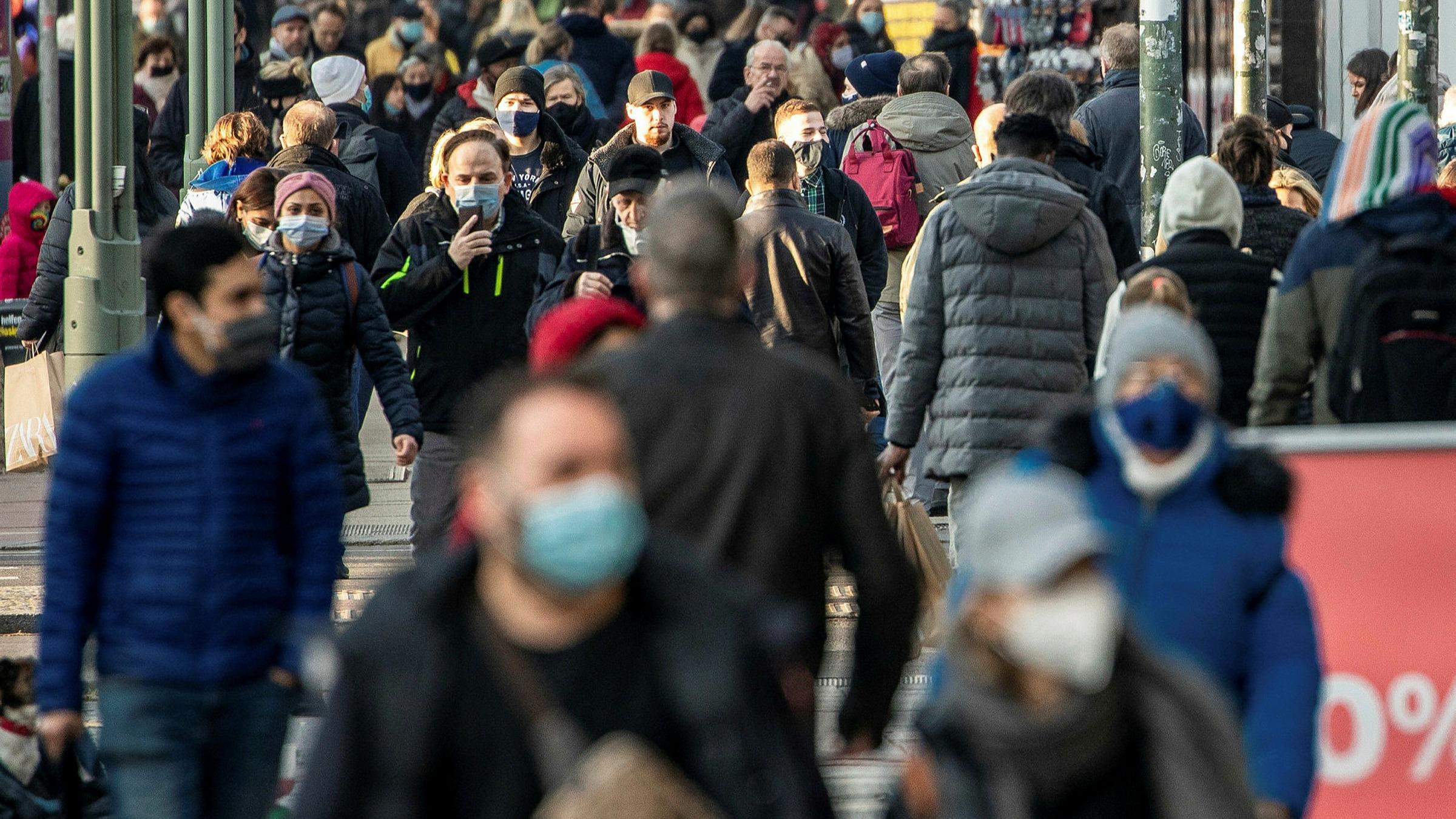 Almanya'da son 24 saatte 226 kişi korona virüs nedeniyle hayatını kaybetti