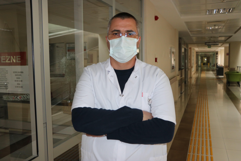 İkinci kez korona virüs geçiren doktor, vatandaşları uyardı