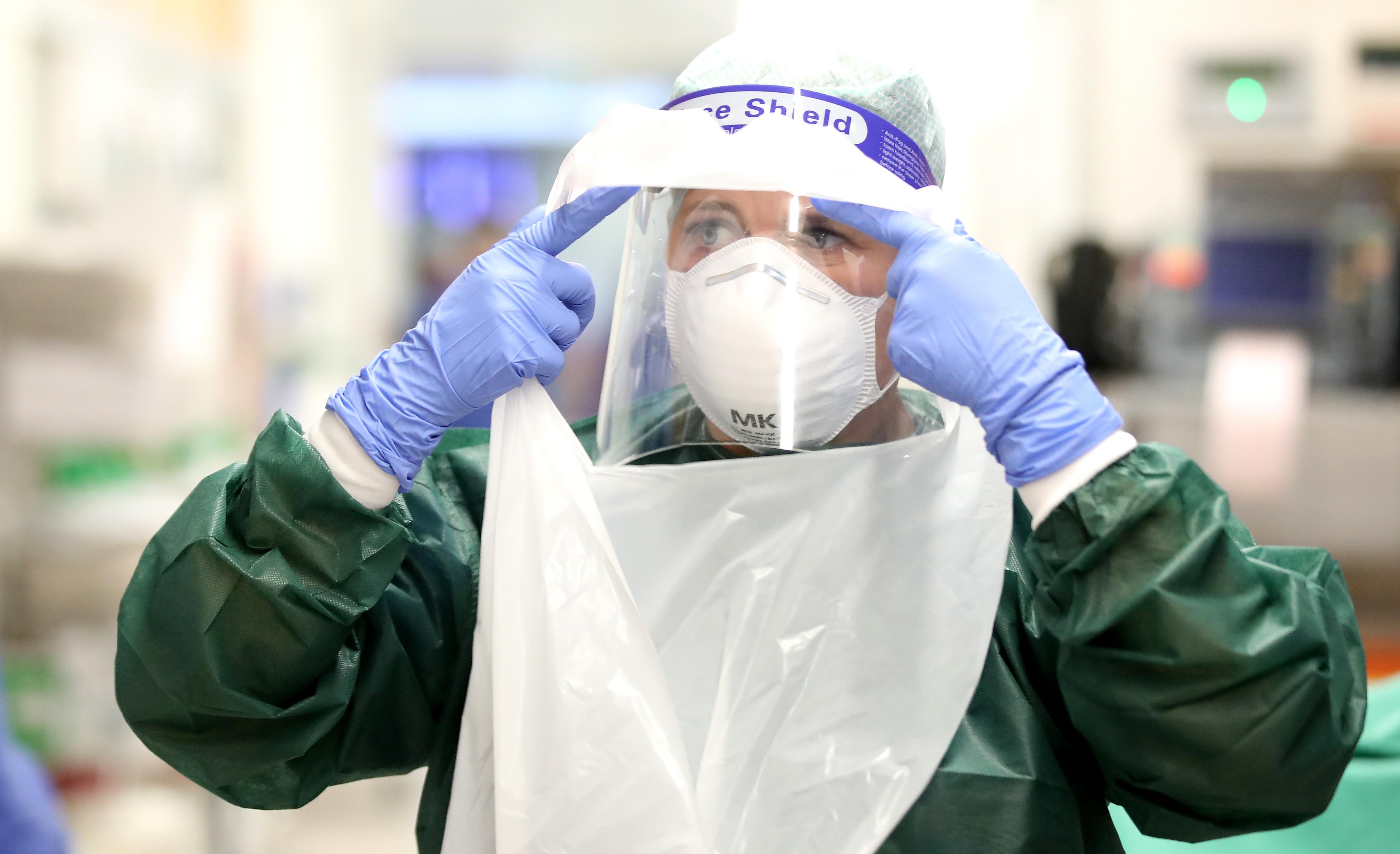 Almanya'da son 24 saatte korona virüsten 980 kişi hayatını kaybetti