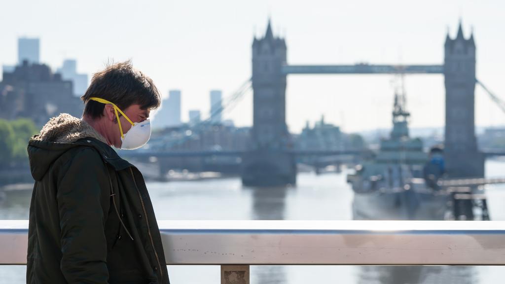 İngiltere, Mart ayından itibaren karantinayı hafifletmeyi umuyor