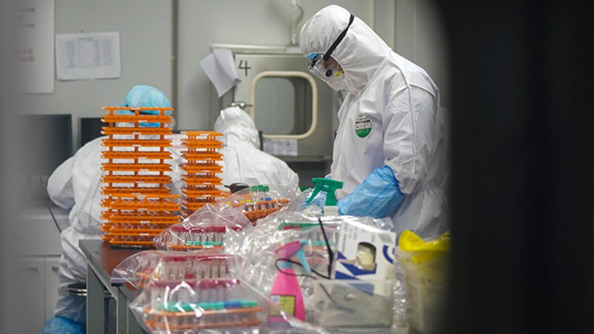 ABD, Wuhan'daki laboratuvar personelinin ilk doğrulanan vakalardan daha önce Covid semptomları olduğunu iddia ediyor