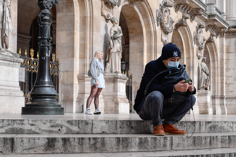 Fransa'da son 24 saatte Covid-19 nedeniyle 373 kişi hayatını kaybetti