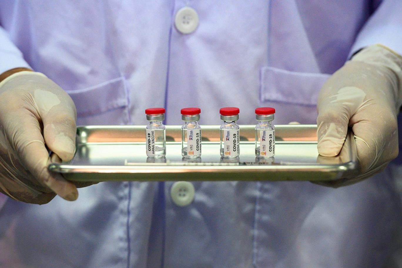 Türkiye'de de kullanılan korona virüsü aşısı ile ilgili dikkat çekici açıklama geldi