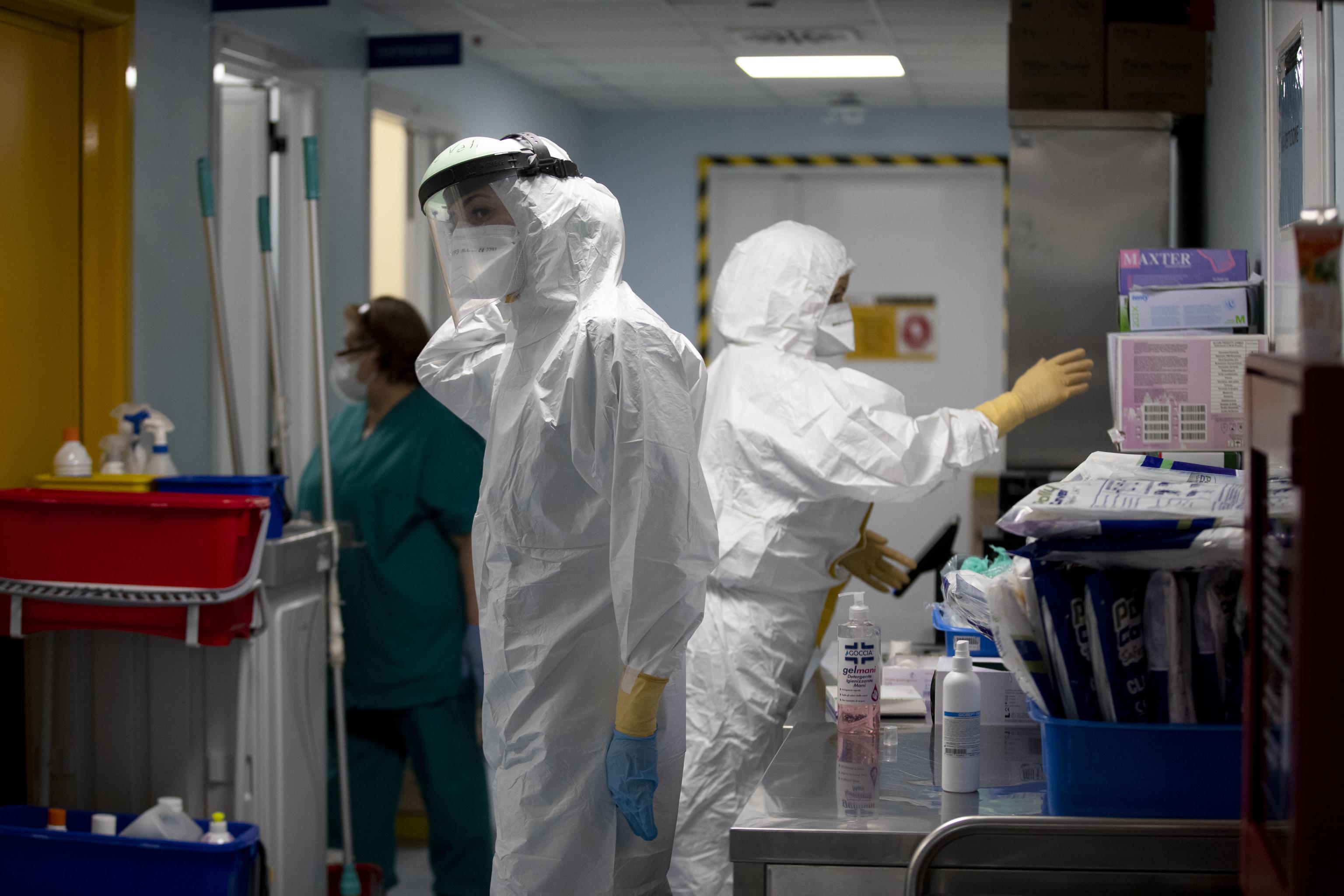 İtalya'da korona virüs salgınında toplam vaka sayısı 2,5 milyonu aştı