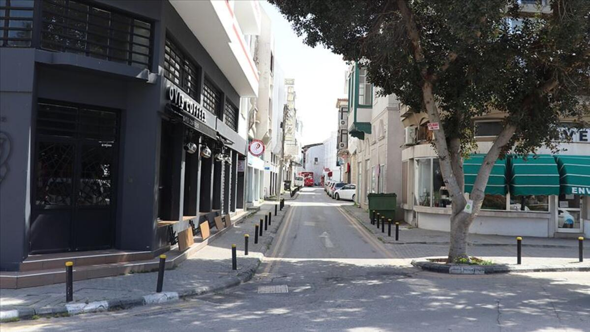 KKTC'de ülke genelinde sokağa çıkma yasağı ilan edildi