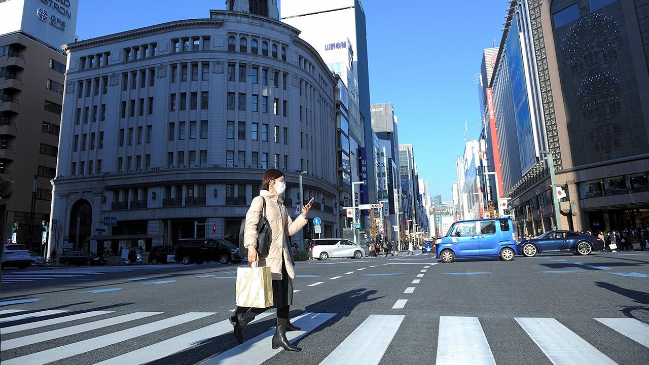 Japonya'da hükümet Covid-19 OHAL'inin süresini 1 ay daha uzattı