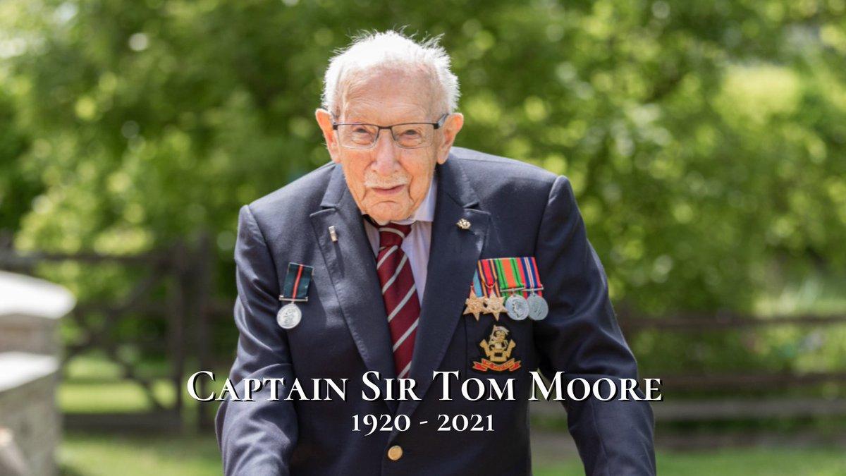 Ulusal kahraman Yüzbaşı Tom Moore, korona virüs nedeniyle hayatını kaybetti