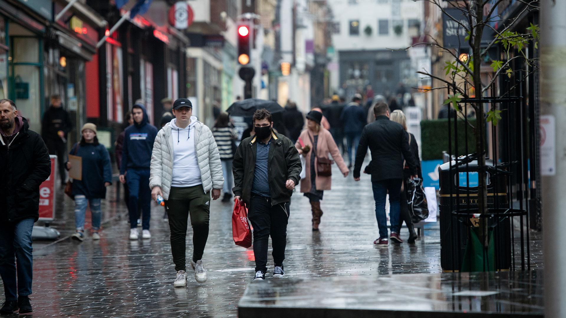 İngiltere'de son 24 saatte bin 449 kişi korona virüs nedeniyle hayatını kaybetti