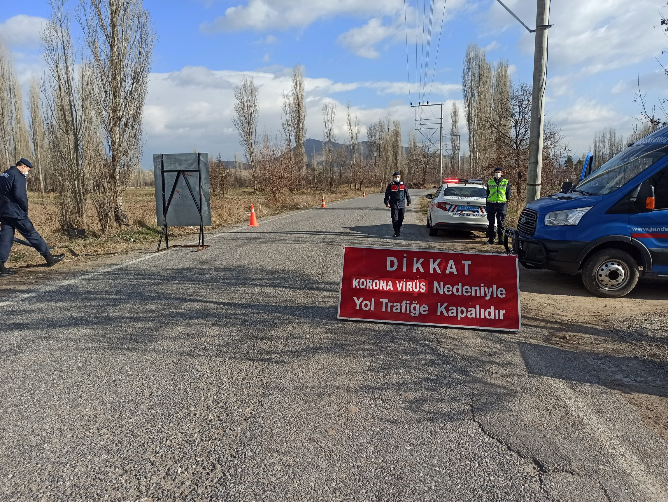 Konya'da bir mahalleye mutasyonlu korona virüs karantinası