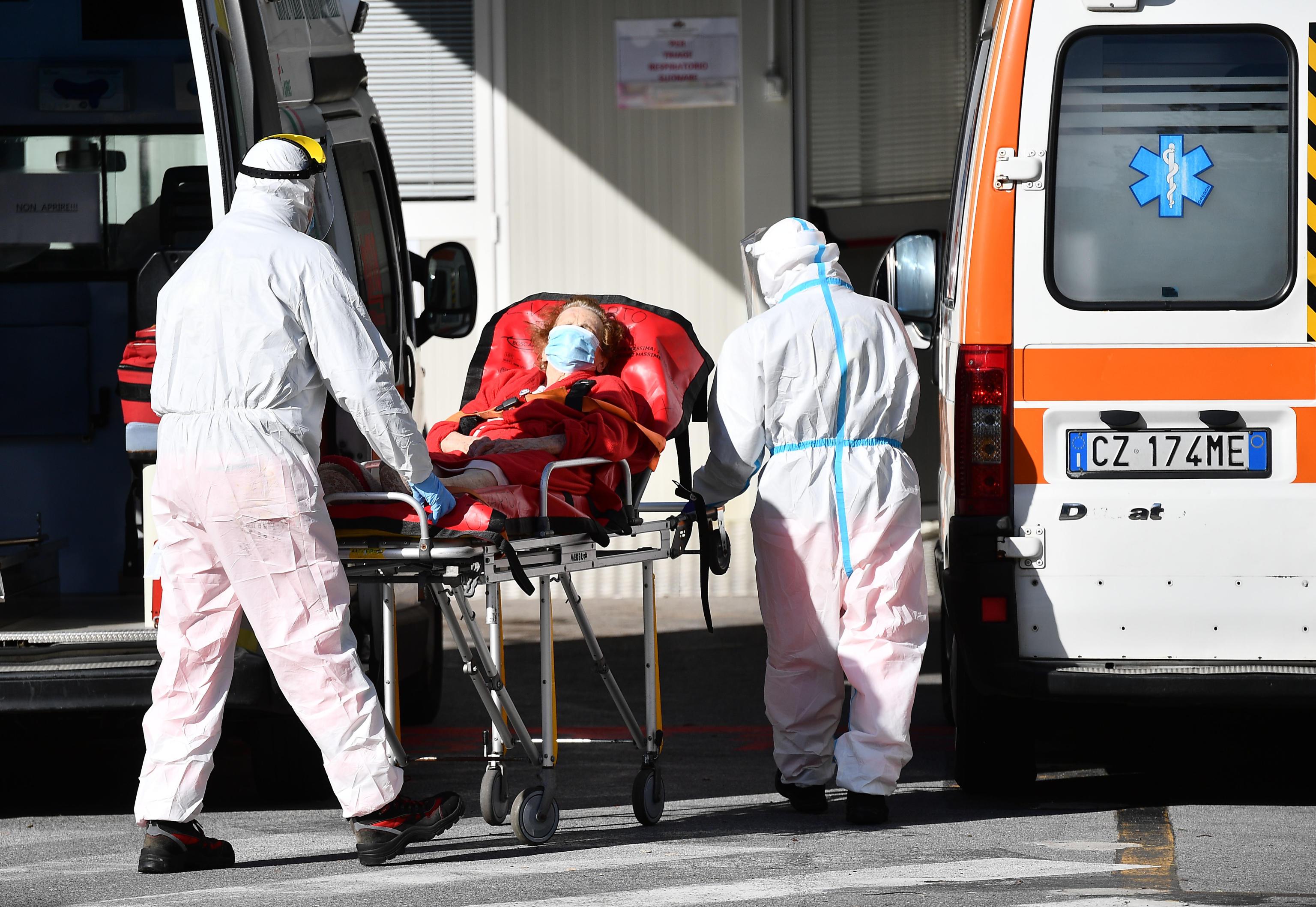 İtalya'da son 24 saatte 11 bin 68 yeni vaka tespit edildi
