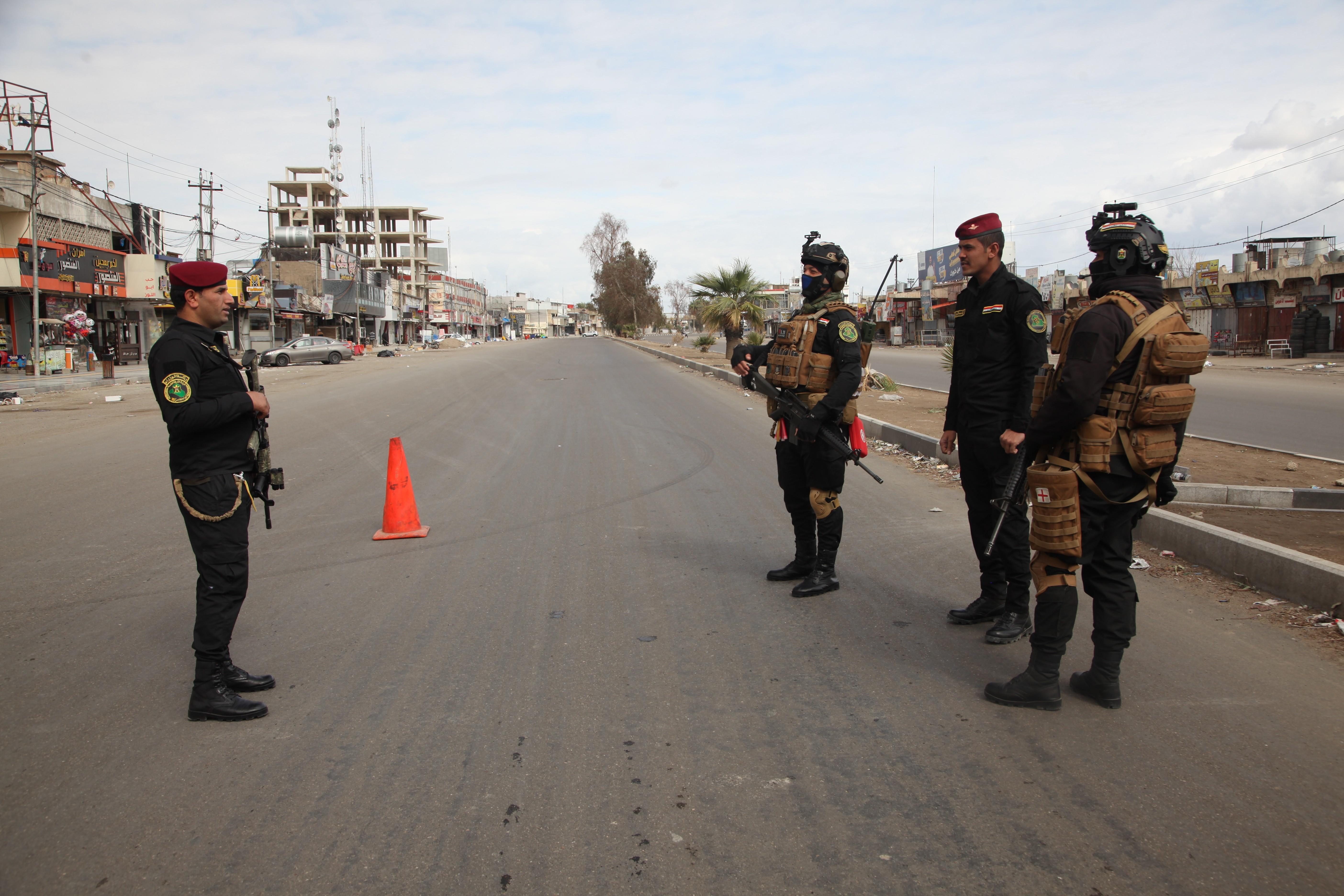Irak'ta Covid-19 nedeniyle sokağa çıkma yasağı uygulanıyor