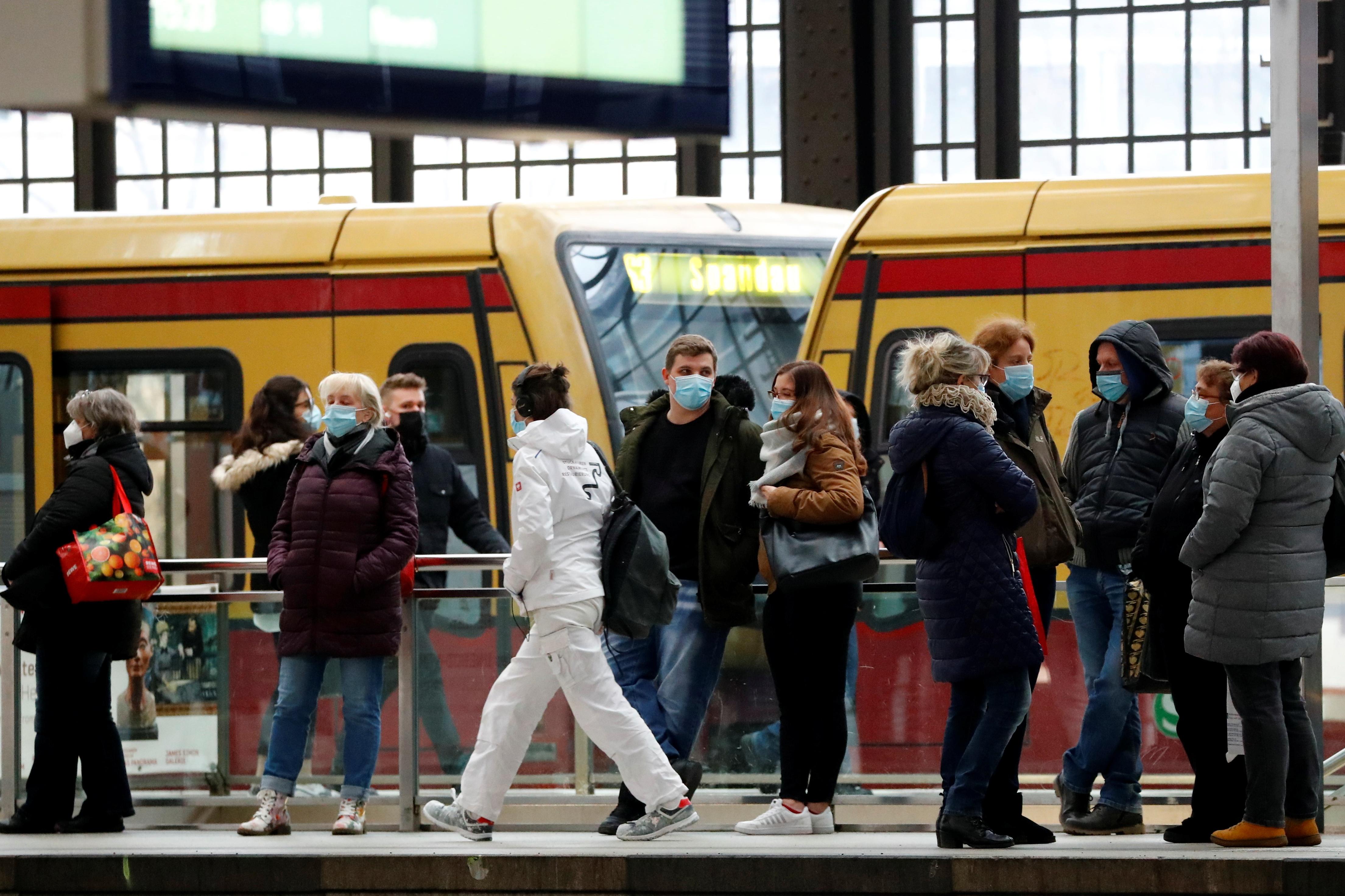 Almanya'da Covid-19'dan hayatını kaybedenlerin sayısı 68 bini aştı