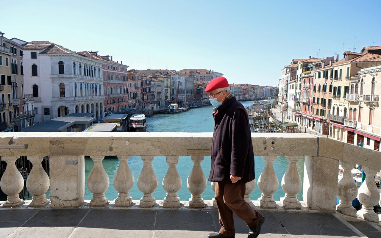 İtalya'da son 24 saatte 18 bin 916 yeni vaka tespit edildi