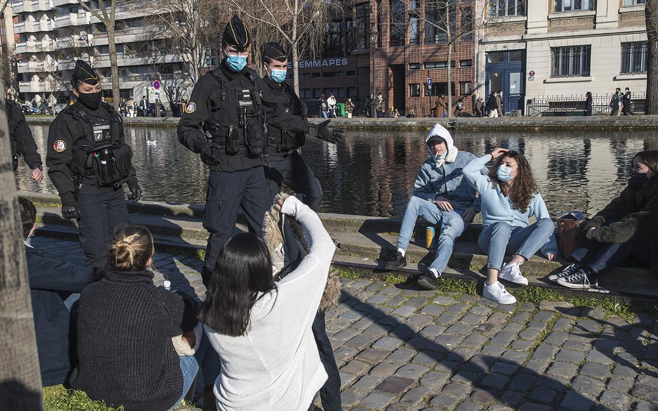 Fransa'da son 24 saatte 23 bin 302 yeni vaka tespit edildi