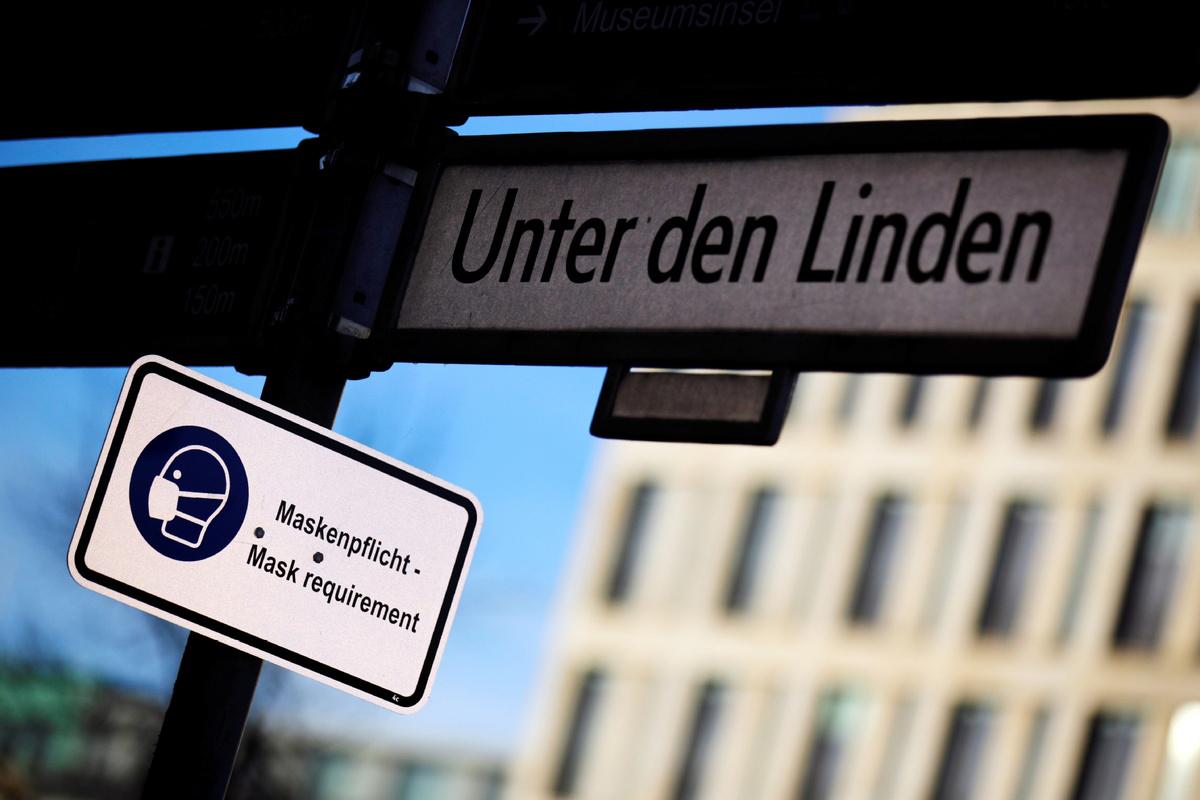 Almanya'da son 24 saatte Covid-19 nedeniyle 300 kişi yaşamını yitirdi