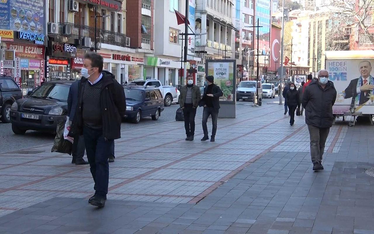 Covid 19 vakalarının düştüğü Rize'de yöre halkı rehavete kapılmamaya özen gösteriyor