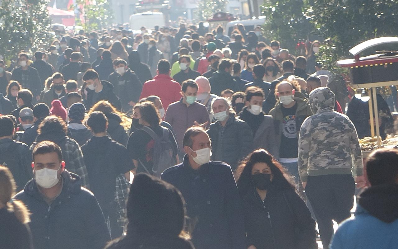 Vaka sayıları artarken İstiklal Caddesi'ndeki kalabalık pes dedirtti