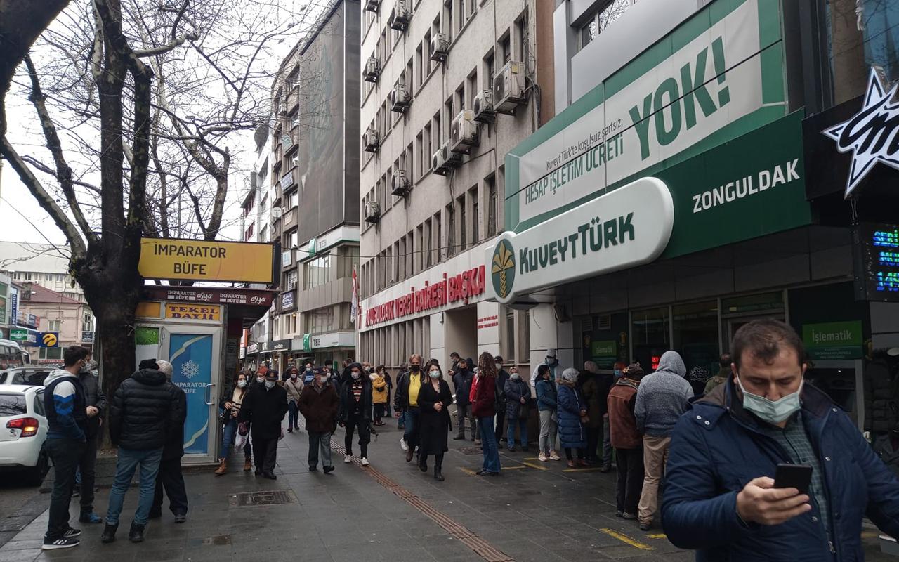 Zonguldak'ta vatandaşlar caddelere akın etti, risk haritası kızardı