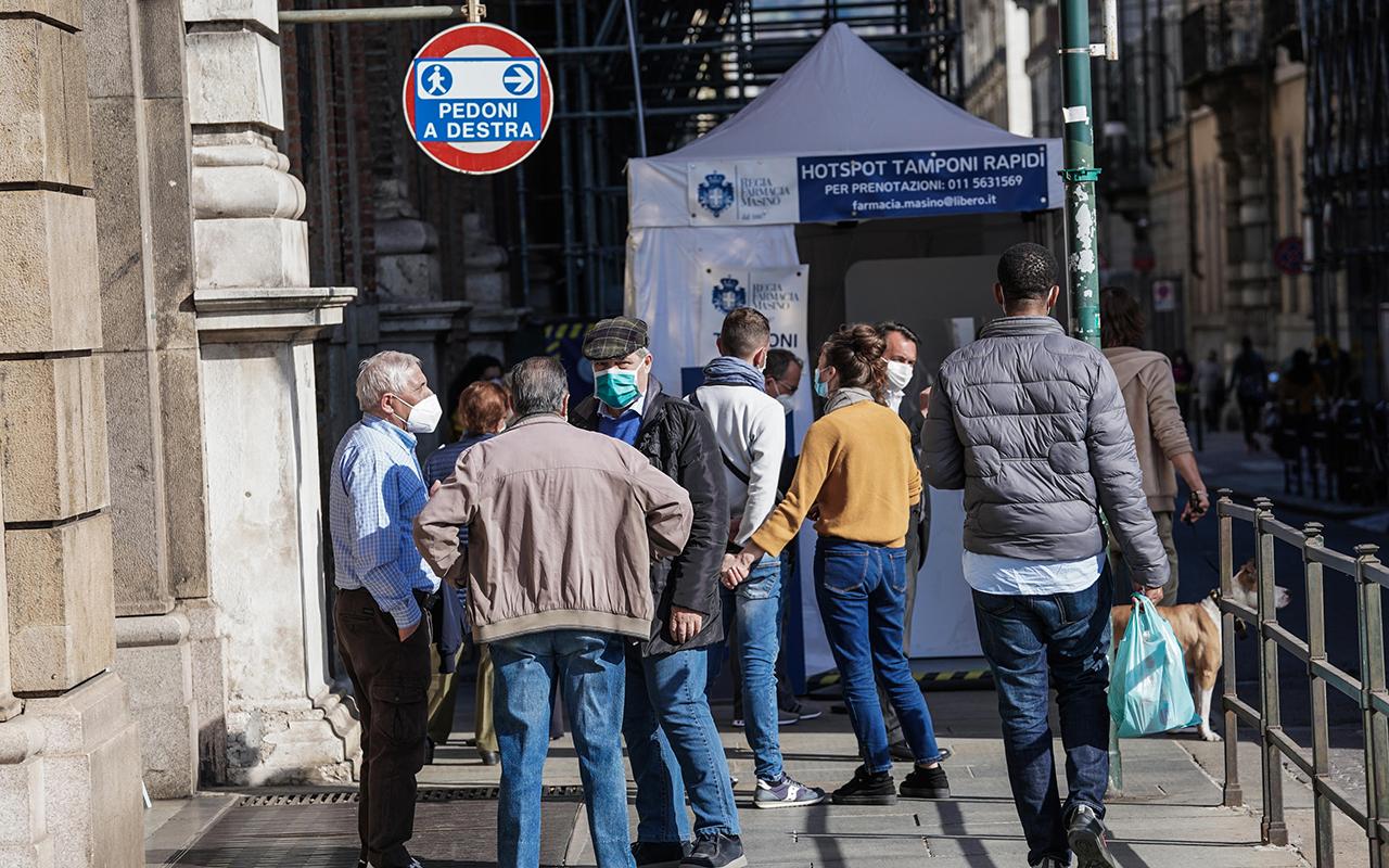 İtalya'da son 24 saatte 529 can kaybı kaydedildi