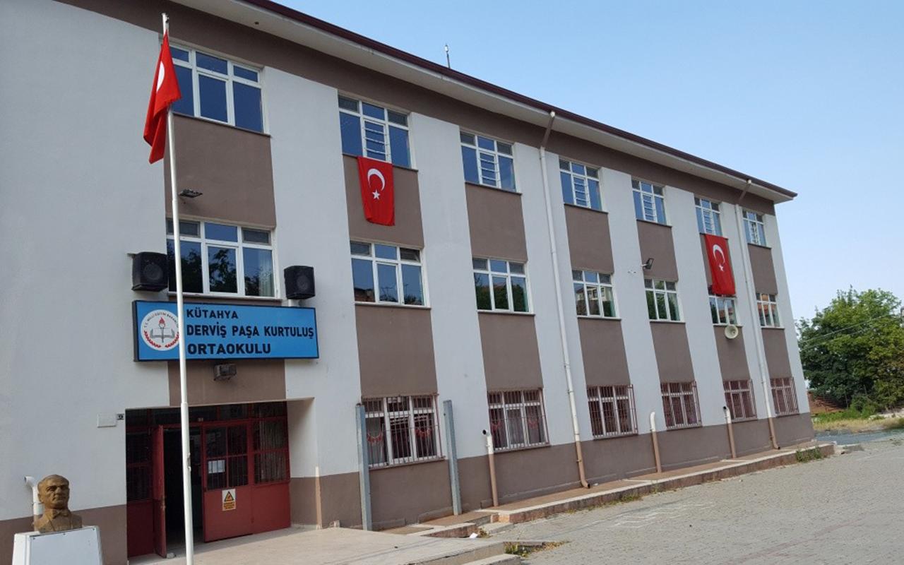 Kütahya'da korona virüs vakaları görülen ortaokulda eğitime ara verildi