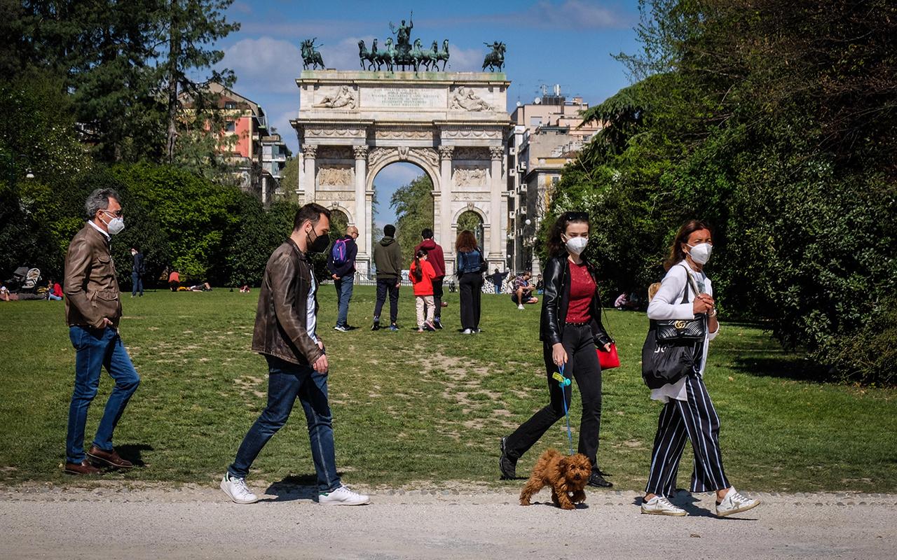 İtalya'da son 24 saatte 18 bin 25 yeni vaka tespit edildi