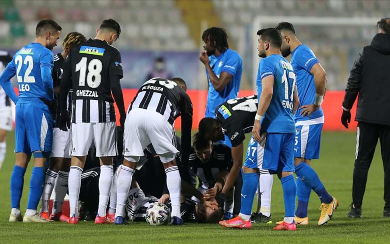 Beşiktaş Cenk Tosun'un sakatlığını açıkladı: 'Patellar tendon kopması'