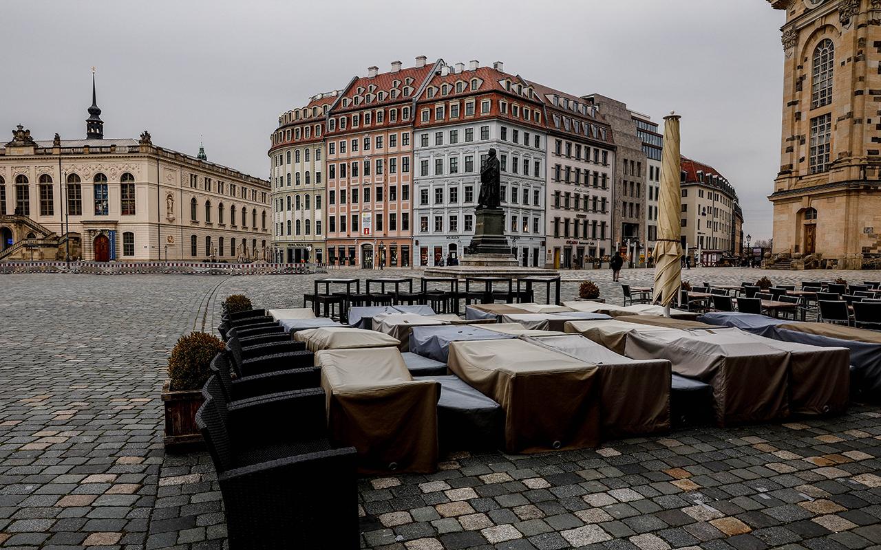 Almanya'da son 24 saatte korona virüs nedeniyle 342 kişi hayatını kaybetti