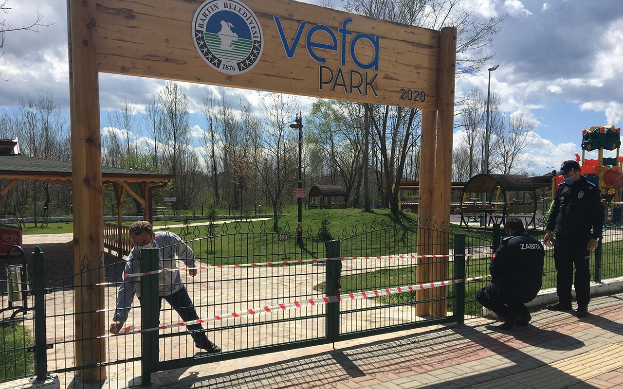 Bartın'da vaka artışlarına karşı parklar şerit çekilerek kullanıma kapatıldı