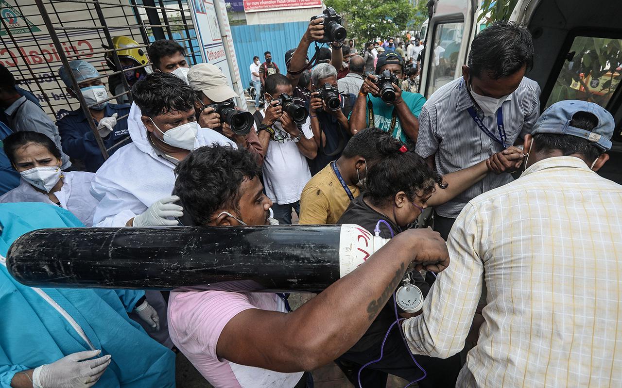 Hindistan'da hastanede yangın: 13 korona hastası öldü