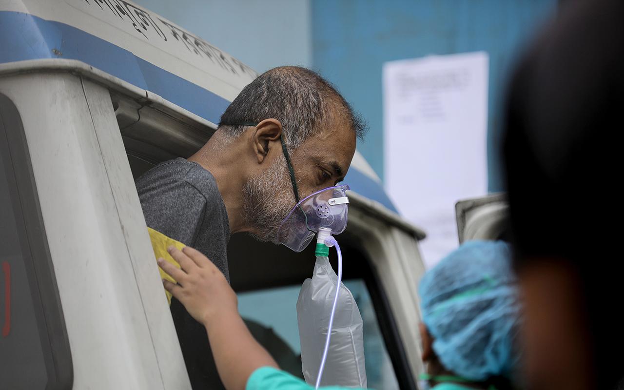 Hindistan'da hastanelerde oksijen krizi: 20 korona hastası hayatını kaybetti