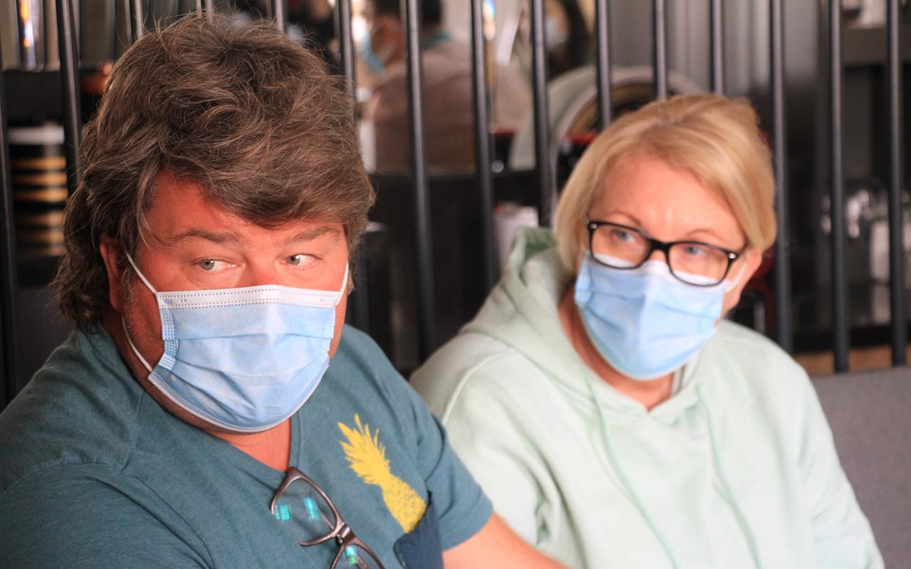 Türk doktorlarının başarısını duyan Alman çift Elazığ'da ameliyat oldu