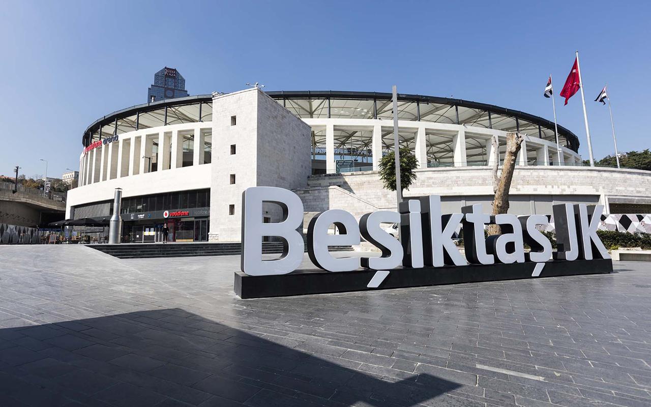Beşiktaş, normalleşmeyle birlikte şampiyonluğu taraftarıyla kutlayacak