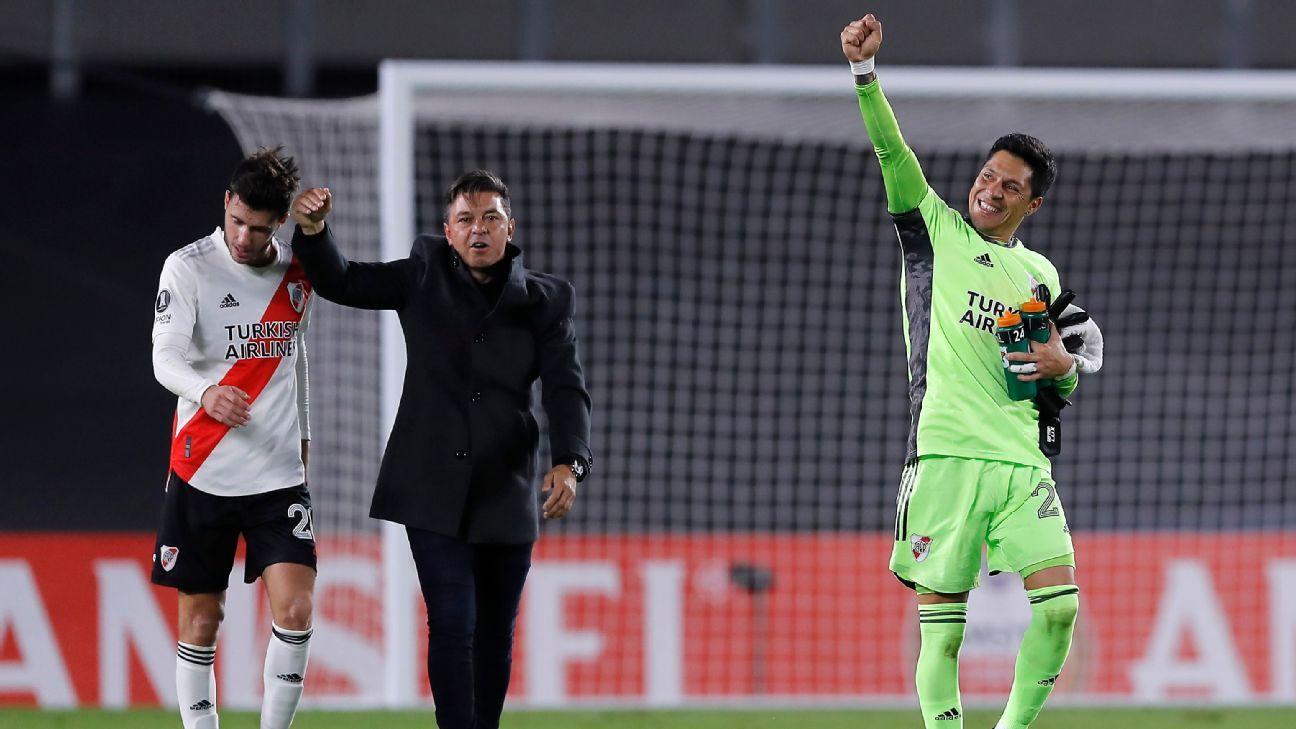 20 futbolcu pozitif çıkınca, kaleye orta saha oyuncusu Perez geçti