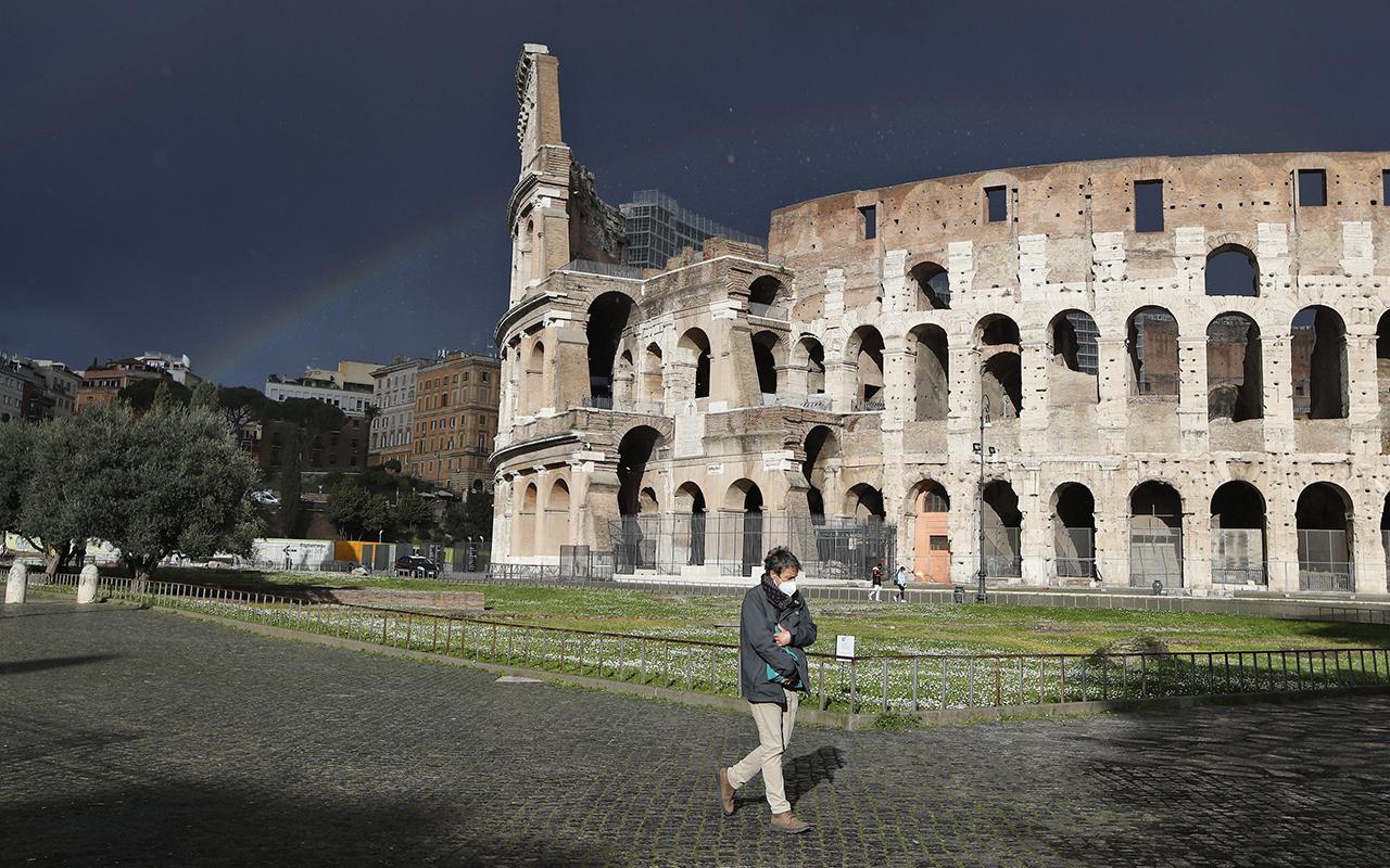 İtalya'da son 24 saatte 5 bin 218 yeni vaka tespit edildi