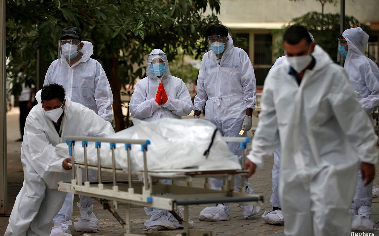 Hindistan'da korona virüsten hayatını kaybedenlerin sayısı 300 bini aştı